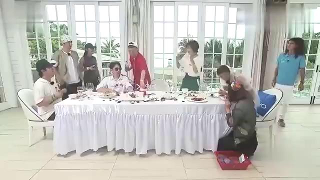 """极限挑战:""""霹雳舞王""""孙红雷再现舞步,全场都哈哈大笑"""