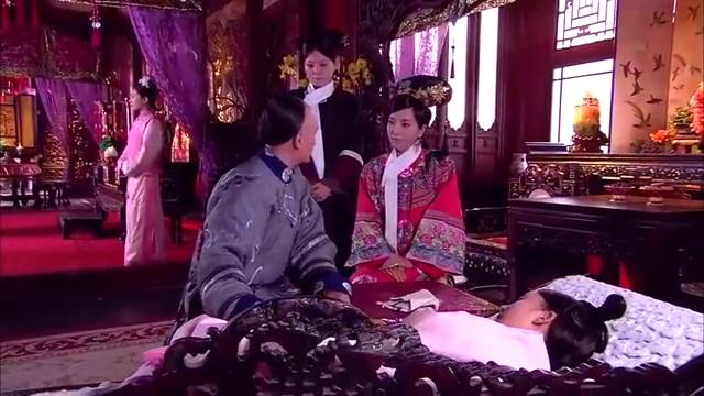 宫锁心玉:八阿哥担心晴川问怎么还不醒,心机女:刚刚出汗,别急