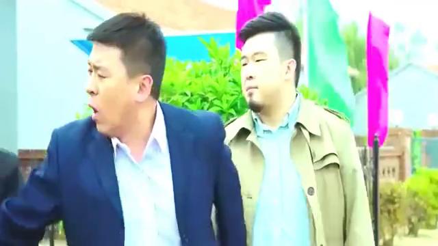村部迎接领导,广坤看见王兵瞬间不淡定,一旁刘能看热闹不嫌事大