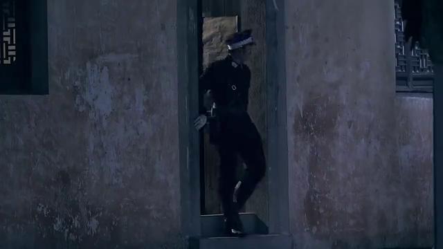 雪豹:李代桃僵周文跟死刑犯互换,终于逃出了监狱,要逃离上海了