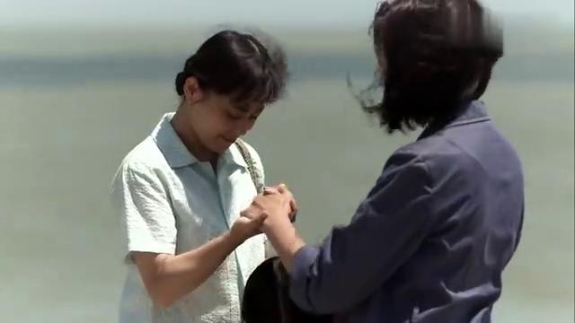 父母爱情:老欧从文化人变成渔民,撑着小船,安杰心里不是滋味!