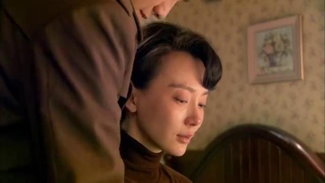剧场第二十一集:晓红偷看别人的信件,看完后对情敌郁珠更生恨