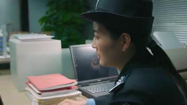 同学两亿岁:陆宇辰打架被抓进警局,说自己没爸妈,让宣墨去接他