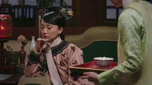 如懿传:莲心和王公公成婚,众妃竟在背后嘲笑她,好过分