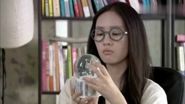 新闺蜜时代:刘炎带着韩文静去店里,撇清两人关系,韩文静生气了