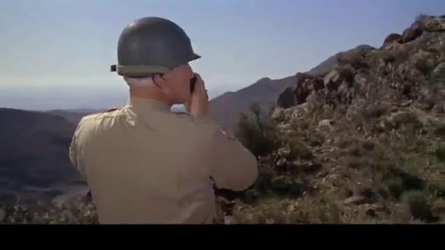 将军都有爆脾气,巴顿站在河对岸大骂坦克指挥官,精彩
