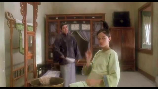 梅艳芳刚做的发髻,竟被星爷说成是海参和香肠,简直毫无求生欲