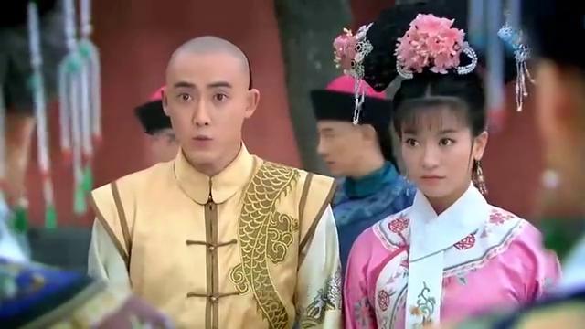 蹴鞠作为皇宫禁物居然出现了,小燕子一脸懵:这是出气球啊!