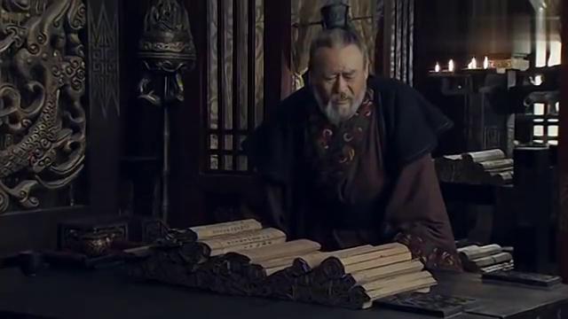 大风歌:陈平病倒了,周勃只好批阅奏折,他却大字不识几个