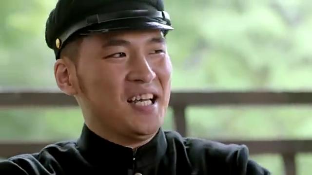 武田弘一年轻的时候和老谭和韩树森,是同窗的大学校友