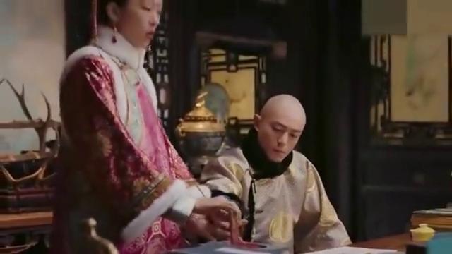 如懿传:慧贵妃的父亲想进军机处,便开始对皇帝软磨硬泡,真讨厌
