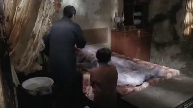 熊黛林大病卧床,出于无奈,一代宗师叶问只得去工地挖煤养家