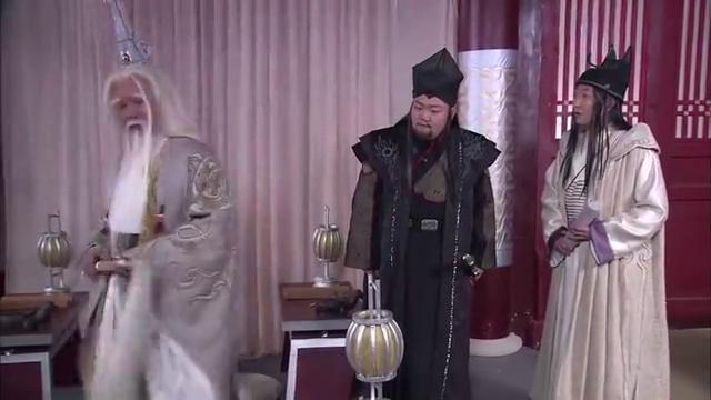 王母娘娘看太上老君不爽,于是不想见他,处处与他作对