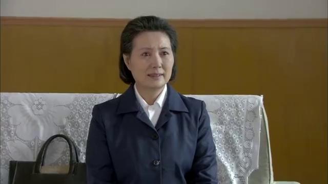 历史转折中的邓小平:邓爷爷老部下背冤案,邓爷爷为其伸冤