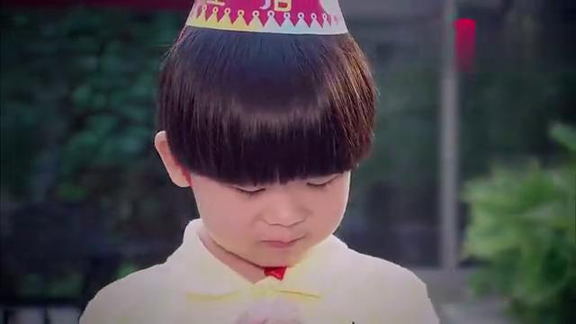 帅哥总裁给单亲男孩庆祝生日,男孩说出自己的愿望,真让人心疼