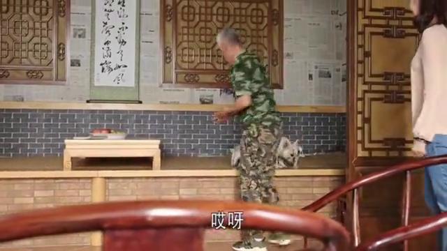 乡村爱情:王大拿养狗玩,王小蒙进门道喜,杨晓燕要回归啦!