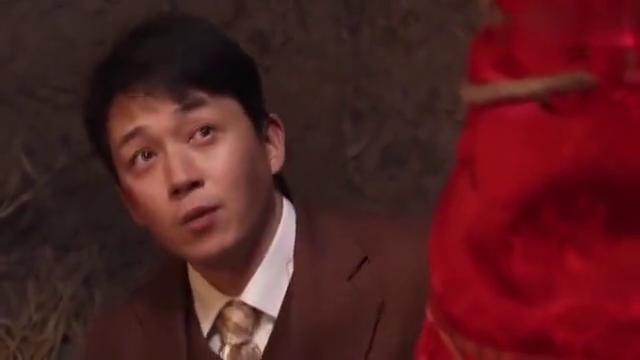 山里红:小伙以为新娘长得丑,揭开盖头看到真容,竟发现这么美