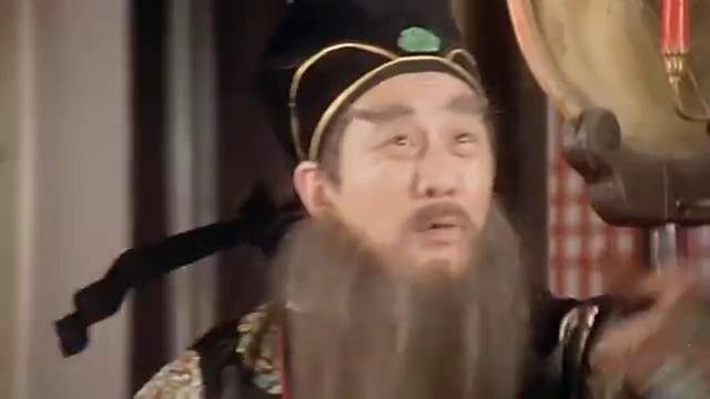 秋香在一旁担心华安,谁知他几分钟就画好了春树秋霜图