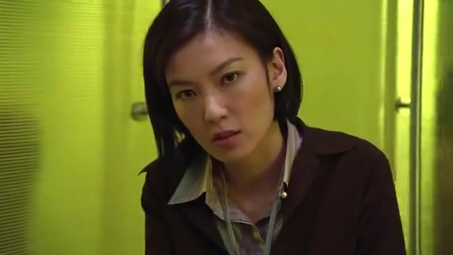 现在小偷太胆大,跑到警察局做客,许绍雄还放走了他,刘青云无语