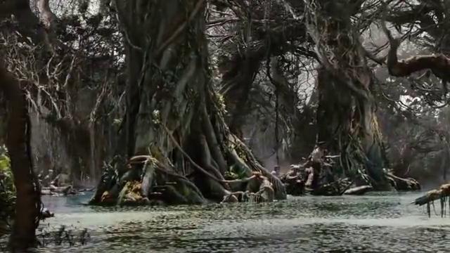 """这水也太恐怖,里面各种怪物,既有""""皮皮虾""""又有巨型水怪"""