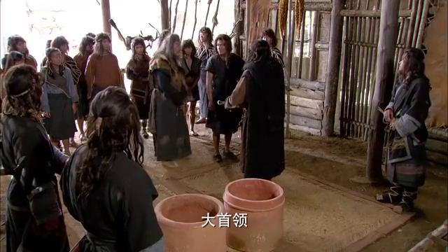 一个小小的蛋壳杯,竟能换一百个女人五十匹骏马,在场宾客都听懵