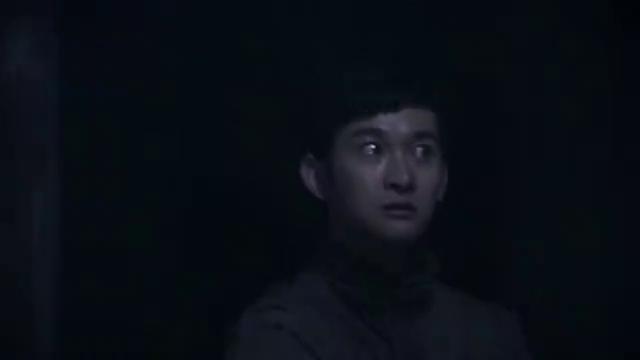 笔仙惊魂3:美女发现队长秘密,队长拿着镰刀要赶尽杀绝呀