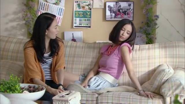 新闺蜜时代:小村庄的姑娘,妈妈得了淋巴癌,也只有哭的份了