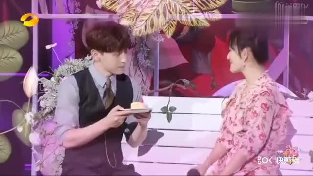 邓伦和谢娜甜蜜献唱,满满的都是爱意啊,张杰提刀来了
