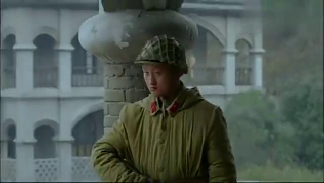 杨志华这一炮打的真准,直接打到日本人的阅兵台上,炸死一堆军官