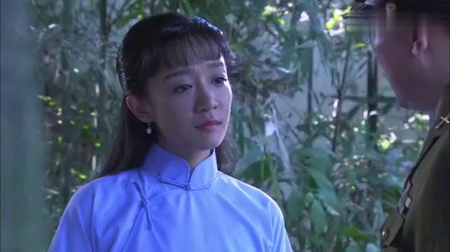 边城破晓:国军师长被架空权力,女儿苦心劝说要和平起义!
