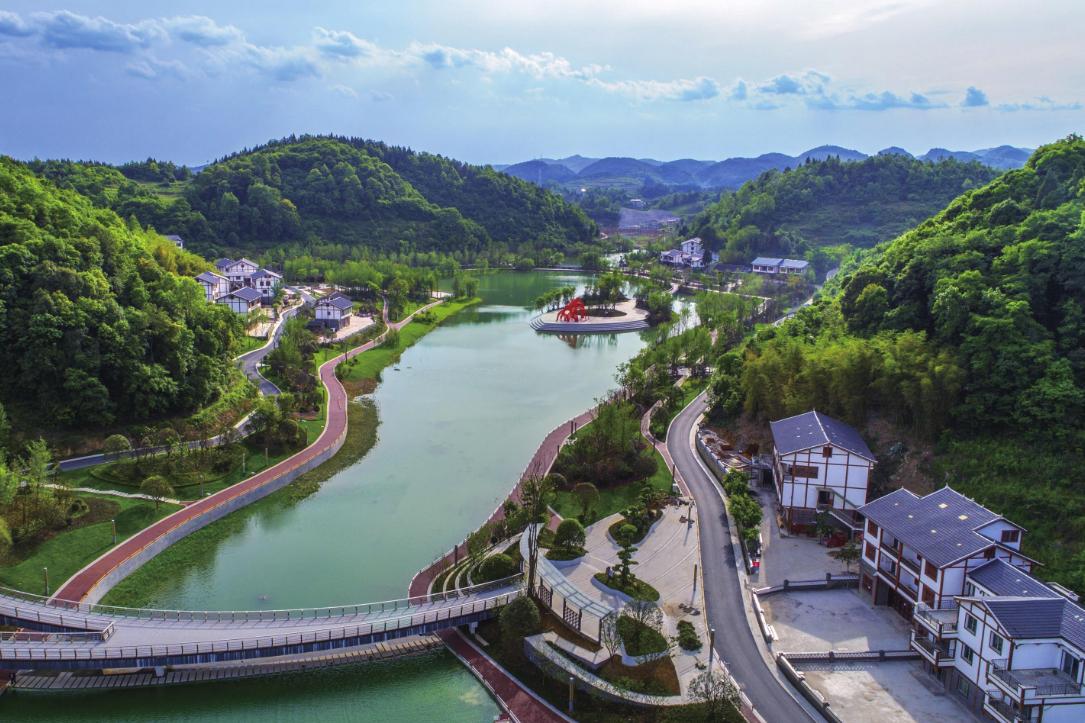 黔南州一座实力县级市,距贵阳仅120公里,发展前景被人看好