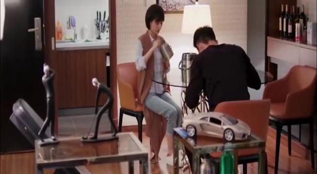 如果蜗牛有爱情:许诩照顾受伤的王凯,贴心至极呀,这媳妇好乖!