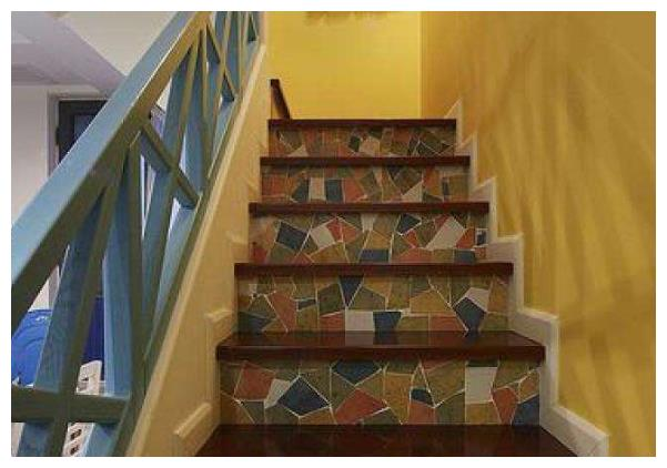 原来楼梯也有风水一说,为什么楼梯都是单数呢?现在知道还不晚!