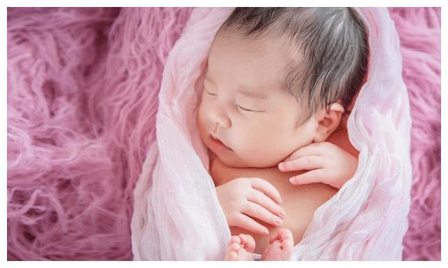 宝宝出生时如果有这3个特征,以后颜值会越来越高,妈妈可别嫌弃