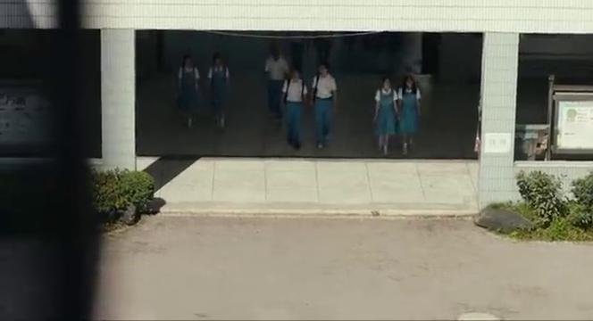 看着眼前的陈念,同学特意跑过来,却是心怀不轨