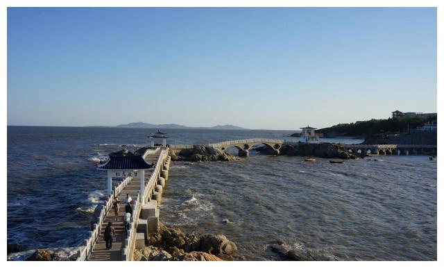 辽宁很受欢迎的岛,面积是辽东湾最大,有南普陀山,北觉华岛美誉
