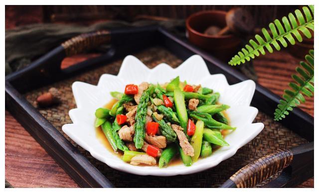 芦笋炒肉:简单易学,口感美味!