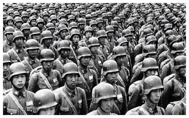 胡琏18军彪悍战力,一个团硬拼中野华野四个团,旁边部队被吓投降