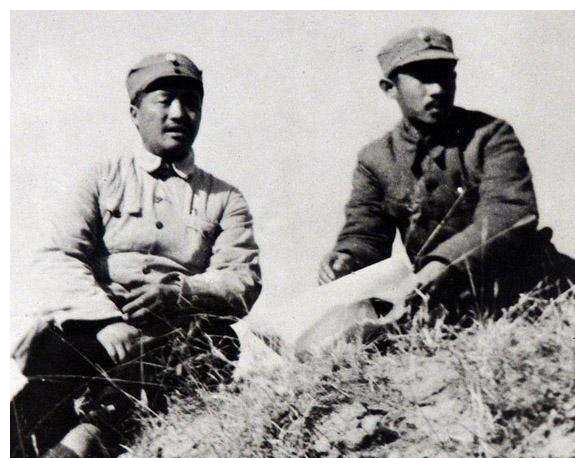 他跟贺龙齐名,比萧克更有资格评元帅,可惜英年早逝