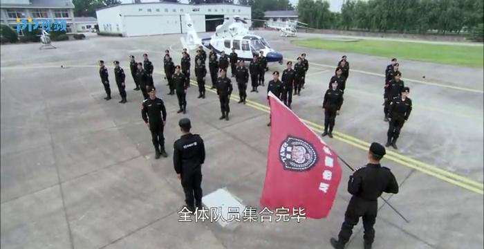 特警:龙飞虎瞒着首长,把烈士女儿带进部队,首长看见后怒了