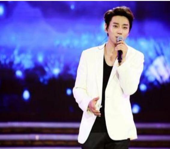 黄致列韩语回复粉丝韩国艺人不能用微博,造谣式回复也太秀了