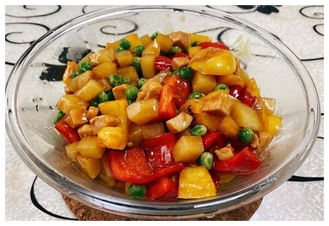 减脂期最爱:美味五彩时蔬炒鸡丁,颜值高脂肪低