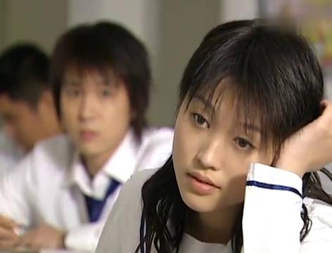十八岁的天空:蓝菲琳父母离婚争夺抚养权,蓝菲琳很难过