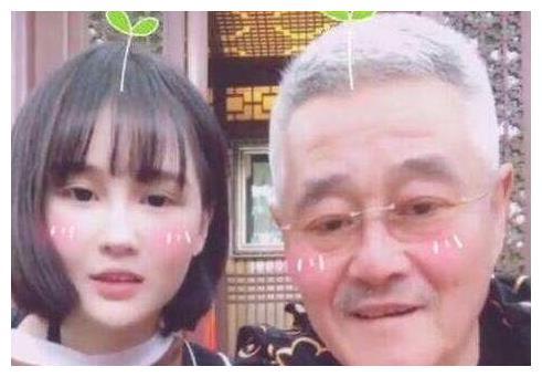 赵本山女儿向妈妈索要700万豪车被拒,自称自己平时很节俭