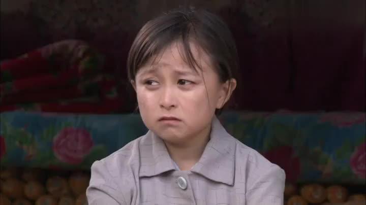 袖珍妈妈把女儿送人,回到曾经一起住过的地方,悲痛得说不出话