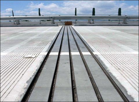 公路桥梁c型伸缩缝的设置要求