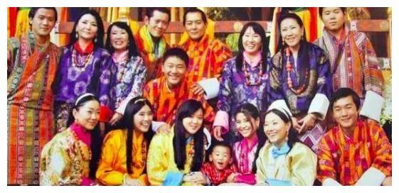 62岁不丹王太后,温柔大方仍似少女,难怪难得到老国王宠爱