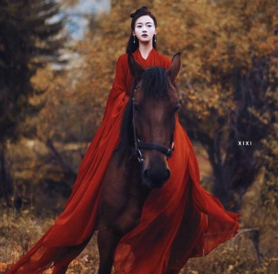 吴谨言新剧一个人出演四个角色,个个都是又美又仙,特别是苏妲己