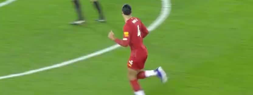利物浦战术角球传中,维纳尔杜姆凌空推射,打高了