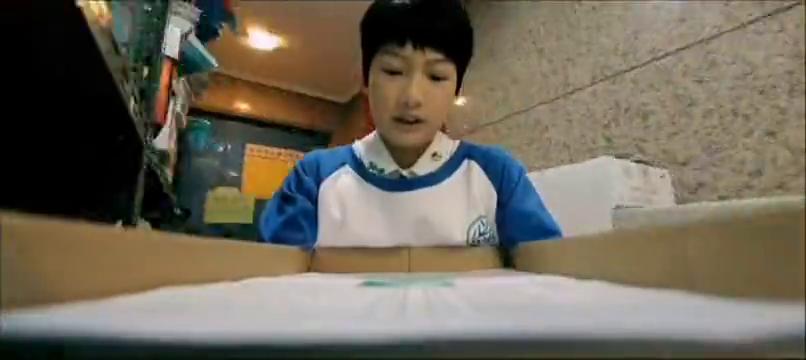 柯震东在考试试卷上画画,没想到老师竟引以为荣,夸他画的好